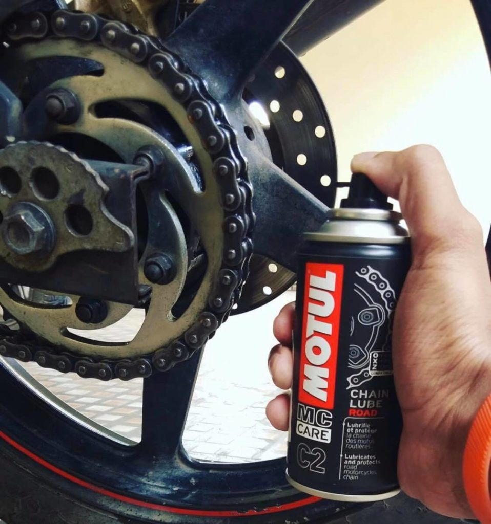Lubricating Your Dirt Bike Chain